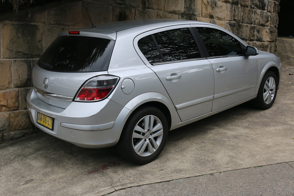 holden astra 2006 manual book